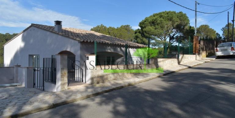 ref-401-casabegur-for-sale-residencial-villa-views-2