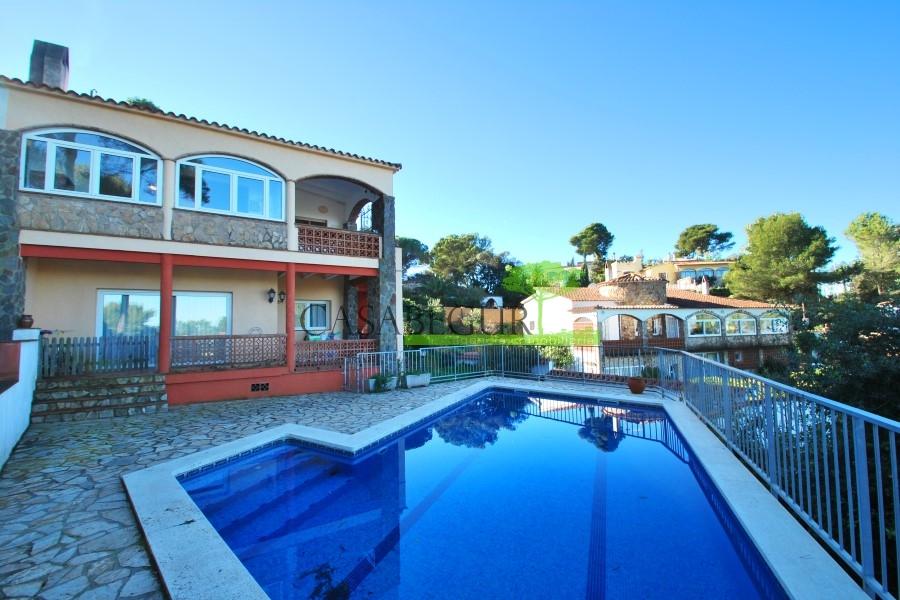 924 Casa con piscina en Mas Tomasi, Pals.