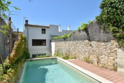 1324 Village house in the center of Begur.