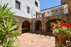 1338 Town house in the center of Begur.