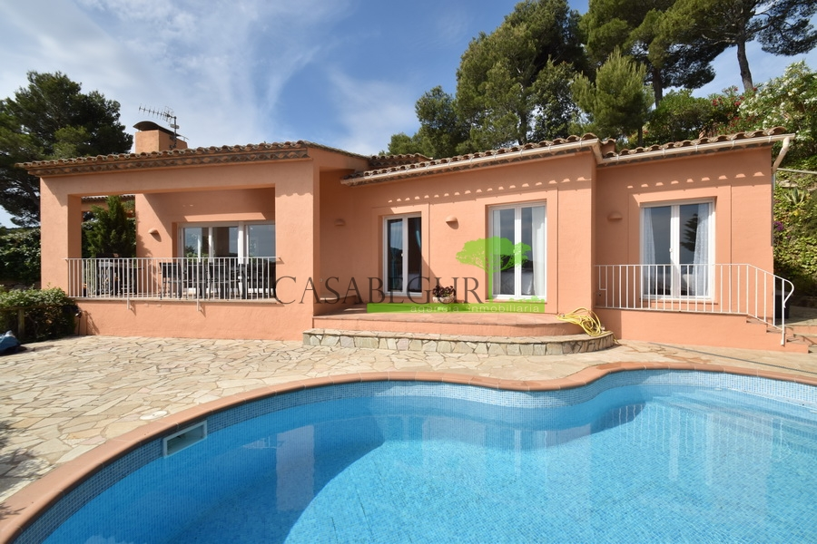 1340 Casa con vistas al mar en Es Valls .