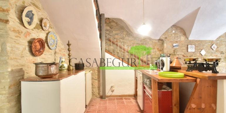 ref-1334-casabegur-for-sale-village-house-center-begur-costa-brava-10