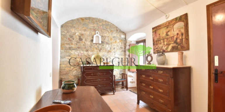 ref-1334-casabegur-for-sale-village-house-center-begur-costa-brava-16
