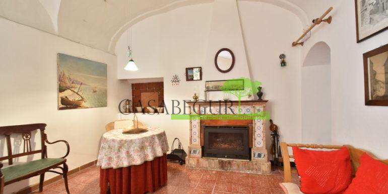 ref-1334-casabegur-for-sale-village-house-center-begur-costa-brava-31