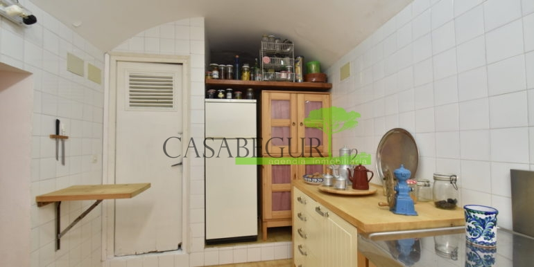ref-1334-casabegur-for-sale-village-house-center-begur-costa-brava-36