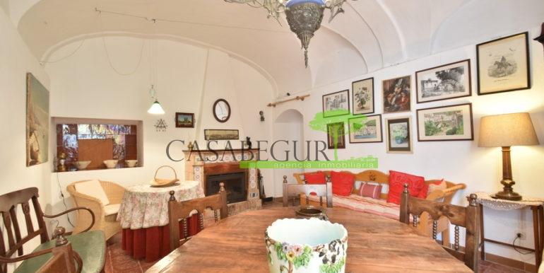 ref-1334-casabegur-for-sale-village-house-center-begur-costa-brava-8