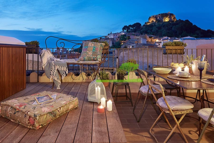 Ref-1352 Hotel / village house for sale in the center of Begur
