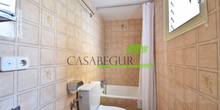 ref-1356-sale-apartment-center-begur-buy-garden-patio-townhouse-16