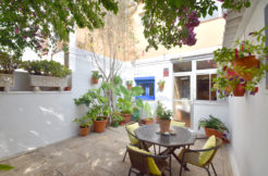 Ref-1356 Apartment/village house for sale in the center of Begur