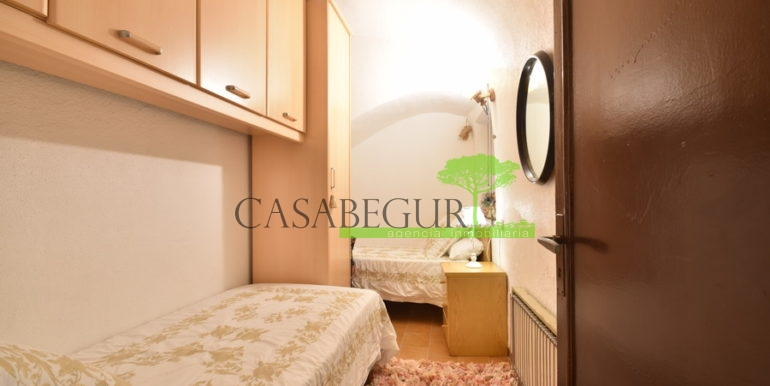 ref-1356-sale-apartment-center-begur-buy-garden-patio-townhouse-5