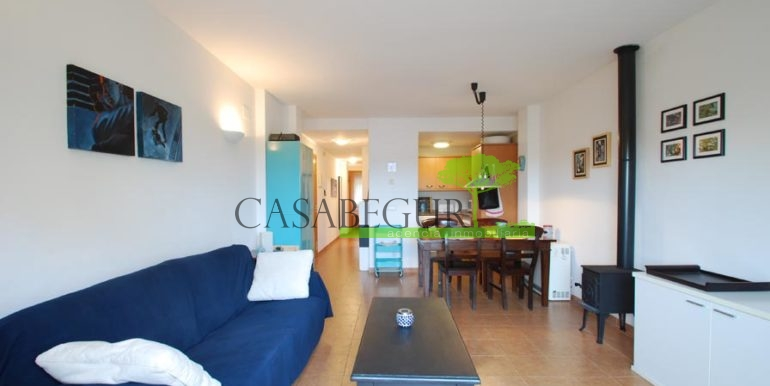 ref-1357-sale-appartment-center-begur-town-pool-garage-parking-mountains-views1