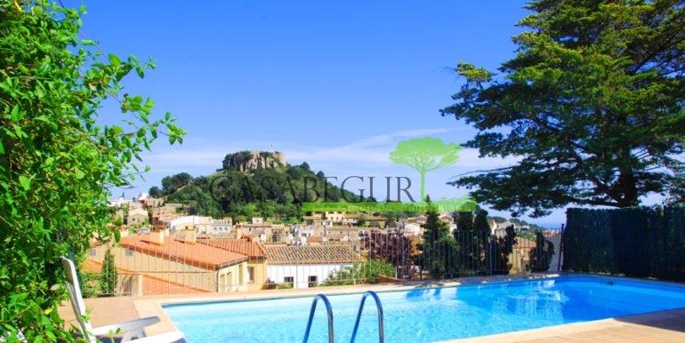 ref-1357-sale-appartment-center-begur-town-pool-garage-parking-mountains-views10