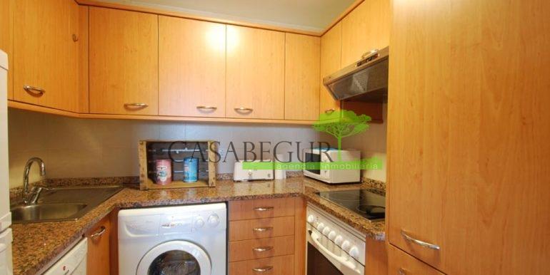 ref-1357-sale-appartment-center-begur-town-pool-garage-parking-mountains-views3