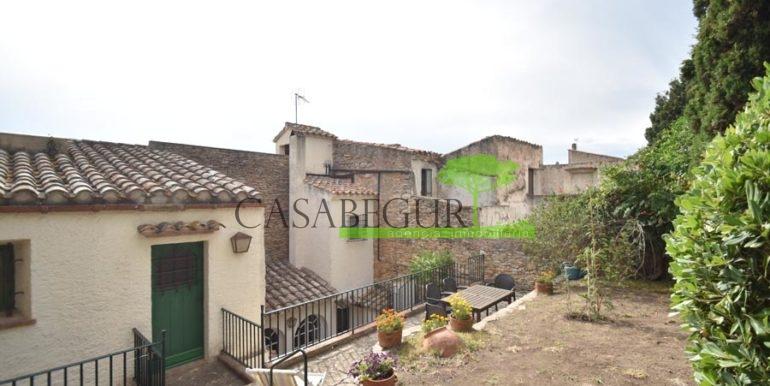 ref-1358-sale-townhouse-casa-de-pueblo-venta-property-center-of-begur-garden-garage15