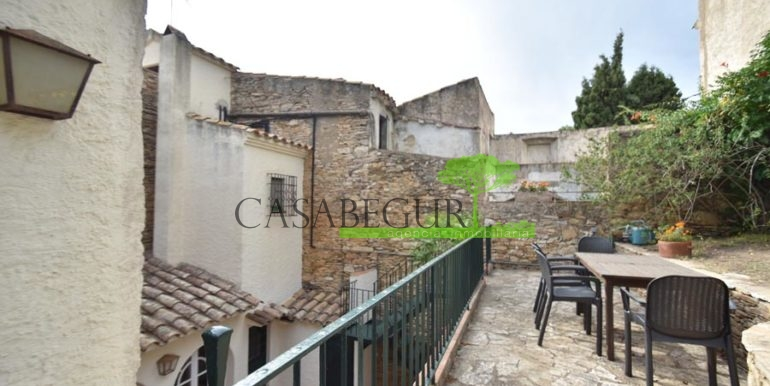 ref-1358-sale-townhouse-casa-de-pueblo-venta-property-center-of-begur-garden-garage18