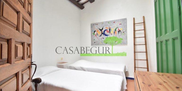 ref-1358-sale-townhouse-casa-de-pueblo-venta-property-center-of-begur-garden-garage2