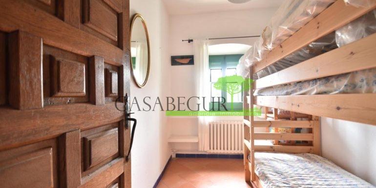 ref-1358-sale-townhouse-casa-de-pueblo-venta-property-center-of-begur-garden-garage8