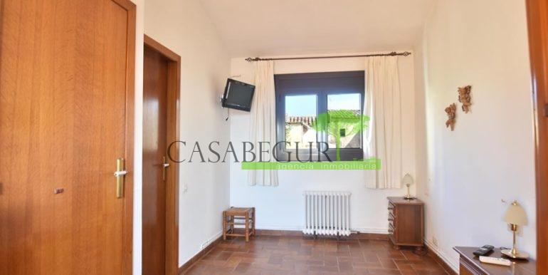 1361-sale-appartment-townhouse-center-begur-garage-costa-brava-house-villa1